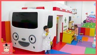 강아지 아파요! 대형 타요 키즈카페 ♡ 앨리스 뽀로로 앰블란스존 테마파크 놀이터 놀이 Kids Indoor Playground | 말이야와아이들 MariAndKids