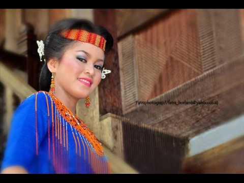 Lagu Jatuh Cinta Pada Nona Toraja