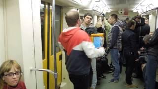 Прямые продажи в метро, небесные фонарики )(, 2015-04-12T22:32:41.000Z)