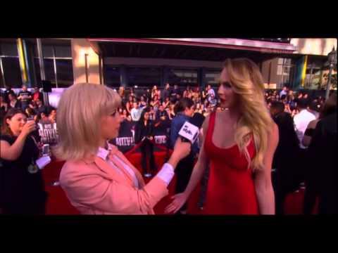 2014 MTV Movie Awards Red Carpet  : Christine Bently