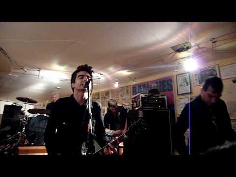 Anti-Flag - Safe European Home (The Clash Cover) (Ramones Museum 24.10.09)
