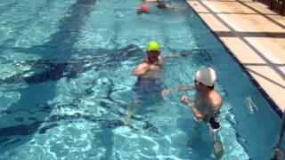 Havuzda Yüzme Keyfi 2
