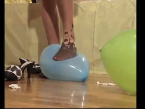 Balloon popping in pantyhose