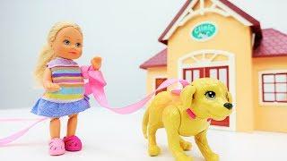Барби и Штеффи покупают собаке поводок. Игры для девочек