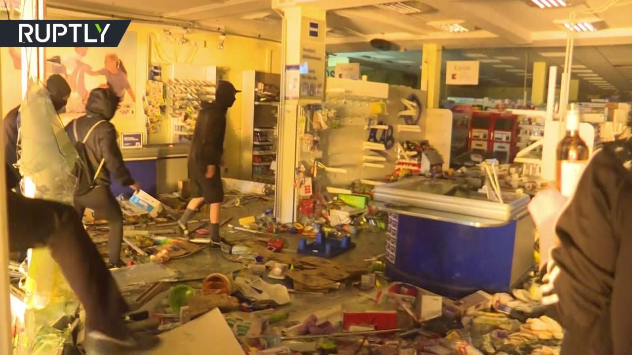 Протестующие ограбили магазин в ходе ночных беспорядков в Гамбурге
