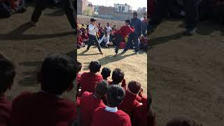 Bahut hi acchi kick fighting by little children