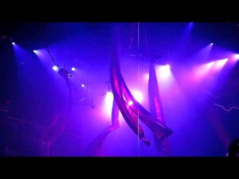 CoCo Bongo Nightclub, Play del Carmen: Acrobats Show Clip