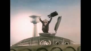 Правитель Турропуто, 1988. (подводная лодка в фонтане) Шпионские страсти, 1967.
