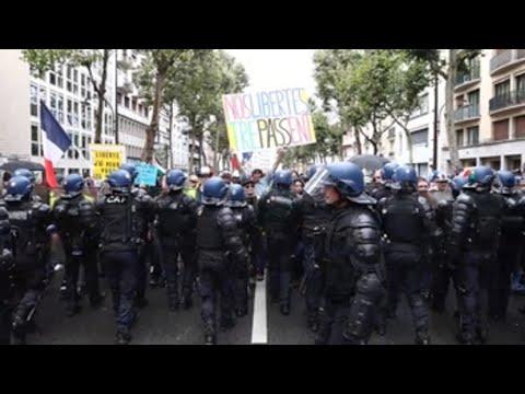 La oposición al pase sanitario toma por cuarto sábado las calles de Francia