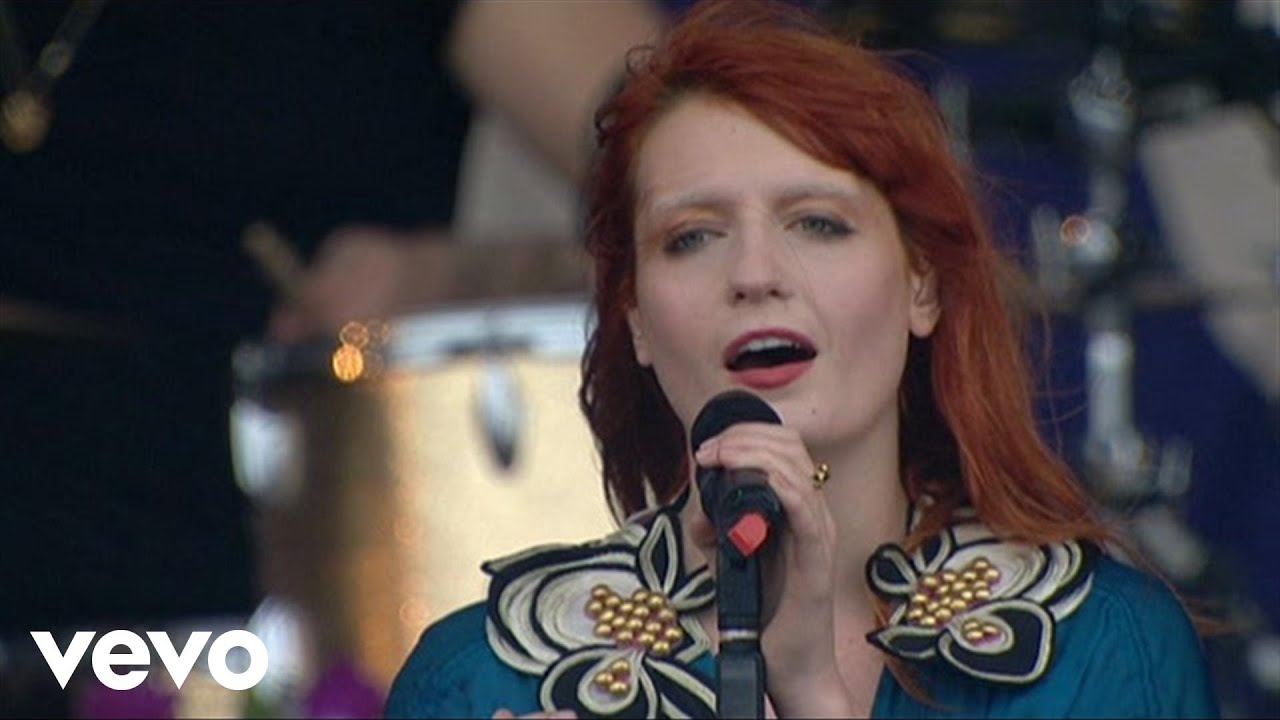 florence-the-machine-my-boy-builds-coffins-live-at-oxegen-festival-2010-florencemachinevevo