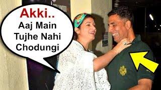Twinkle Khanna Holds Akshay Kumar Neck In Public
