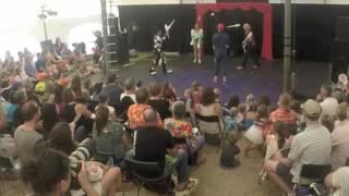 Sara Ski - Juggling ensamble - Lunar Circus