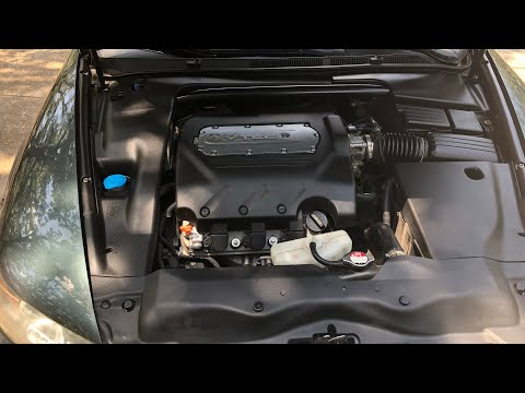 How To Quickly Clean And Shine Your Plastic Engine Bay (Acura TL)