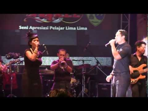 Maliq & D'essentials - Penasaran @ Rolling Stone Cafe [HD]