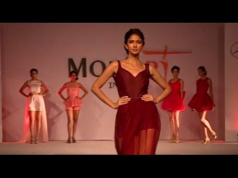 Mod'Art Fashion Show 2015 - Part 1