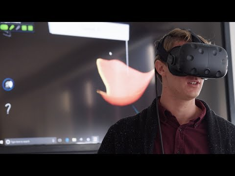 Future doctors learn human anatomy using virtual reality simulations