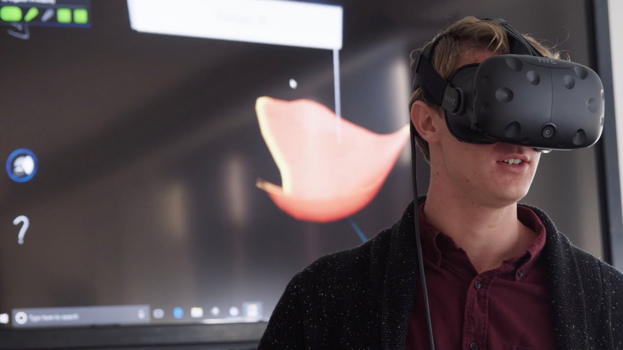 Virtual Reality in the Anatomy Lab - YouTube