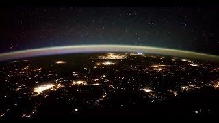 بالفيديو.. لقطات لعواصف رعدية في الفضاء الخارجي