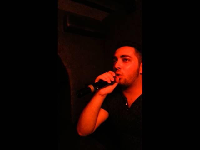 Poyu v karaoke)