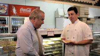 John Elliott's Melbourne - Fair Dinkum Aussie Pies