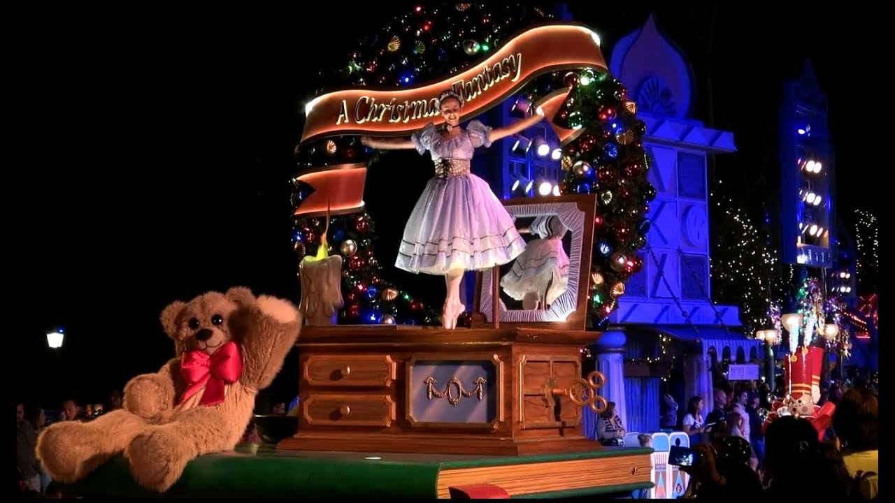 Merry Christmas | Disneyland California Christmas Parade - YouTube