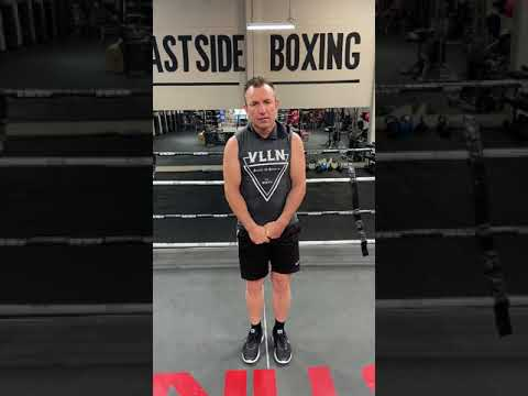 LEARN THE CORRECT BOXING STANCE