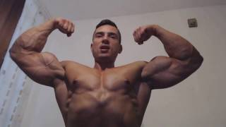 Muscle flex after chest workout | Bodybuilder posing biceps