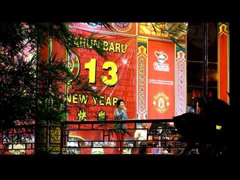 Malaysia - Melaka: Chinese new years eve karaoke