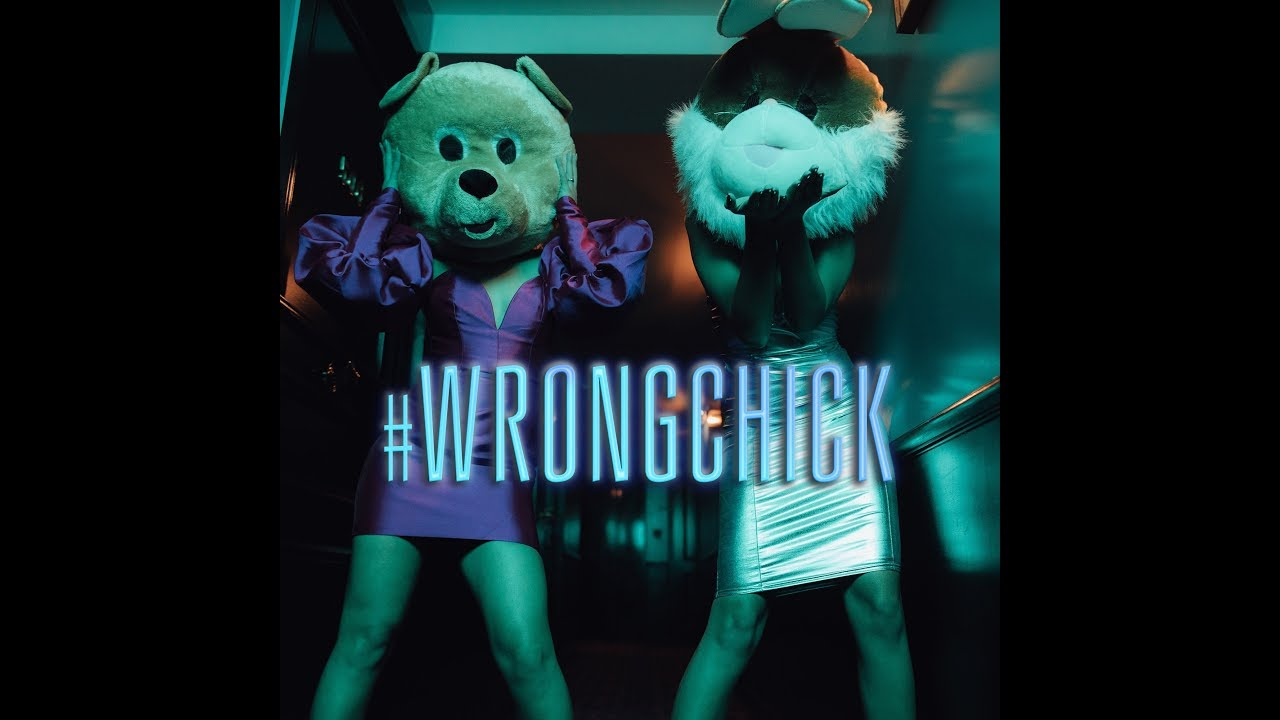 Making the video : WRONG CHICK in Paris!