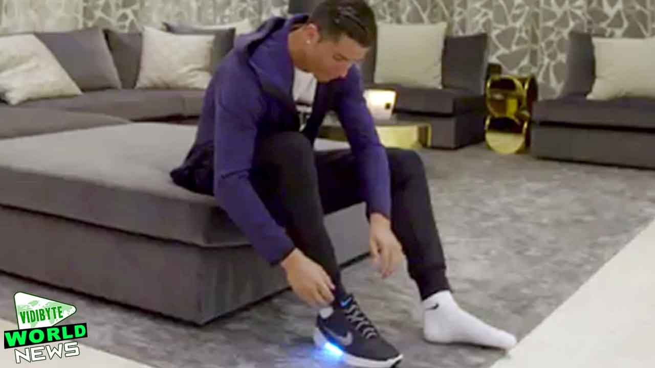 Cristiano Ronaldo Shows Off New Self Lacing Nike Shoes - YouTube 67f7858ab