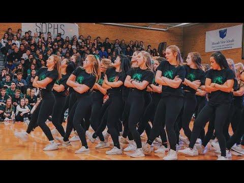 MOUNDS VIEW HIGH SCHOOL PEP RALLY GUY V GIRL DANCE 2019