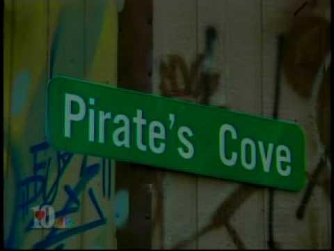 FEDS RAID KFAR NEWS FOOTAGE FCC & Federal marshalls raid pirate radio station Mp3