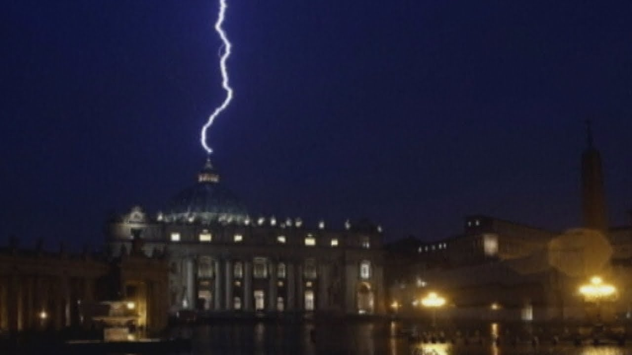 Bolt from the blue: Lightning strikes St Peter's Basilica in Rome after Pope's resignation