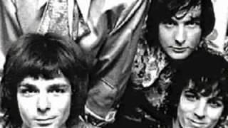 Pink Floyd - An old woman with an casket - Rotterdam