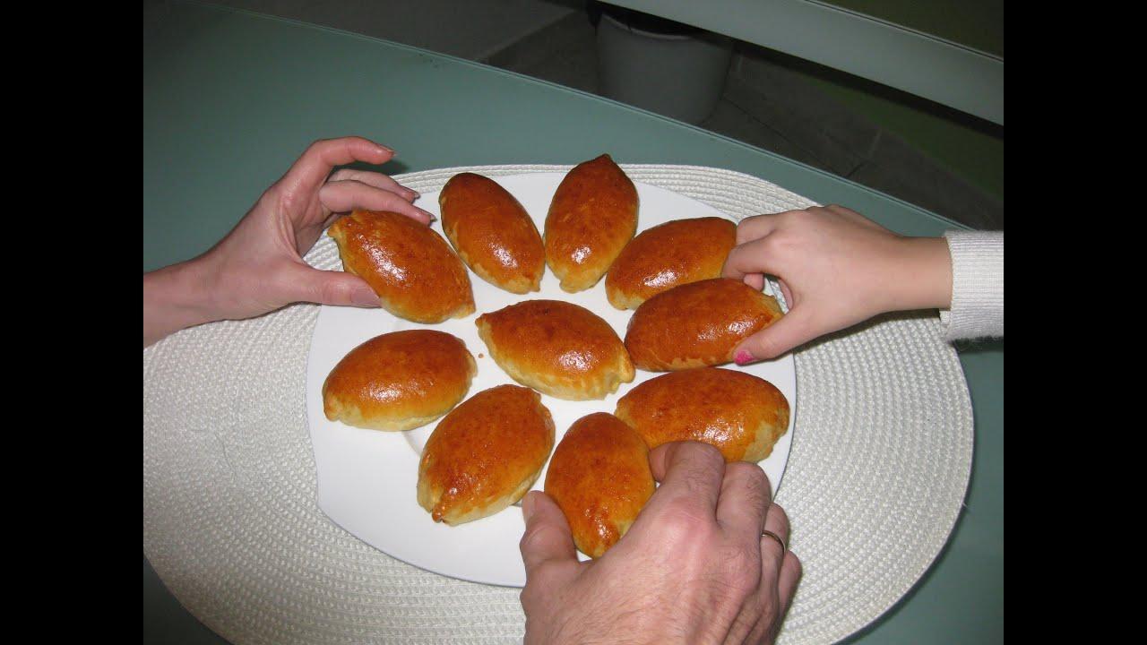Рецепт дрожжевых пирожков с яблоками в духовке