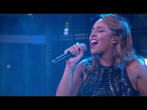 Glennis Grace zingt nieuwe single 'Walk On Water' - RTL LATE NIGHT