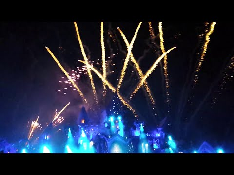 Tomorrowland 2015 - Dimitri Vegas & Like Mike - Melody