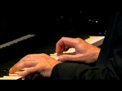 Stephen Kovacevich - Beethoven - Bagatelle No 5 in G major, Op 126