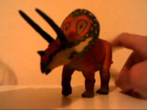 Review 4 CollectA Torosaurus from 2011
