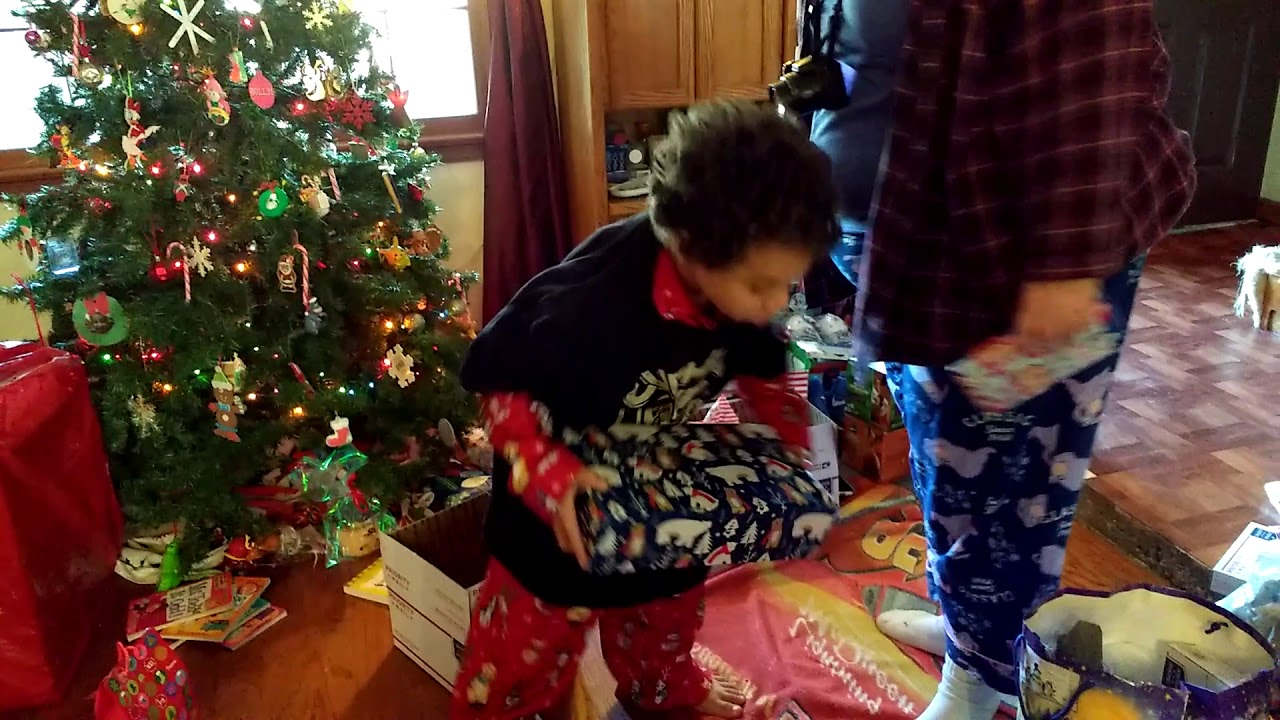 Nintendo Switch surprise gift reaction from twins Christmas 2017 ...