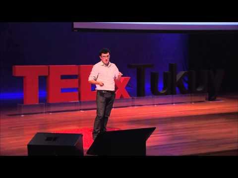 ¿La gente no lee o es solo una excusa? | Marco Avilés | TEDxTukuy