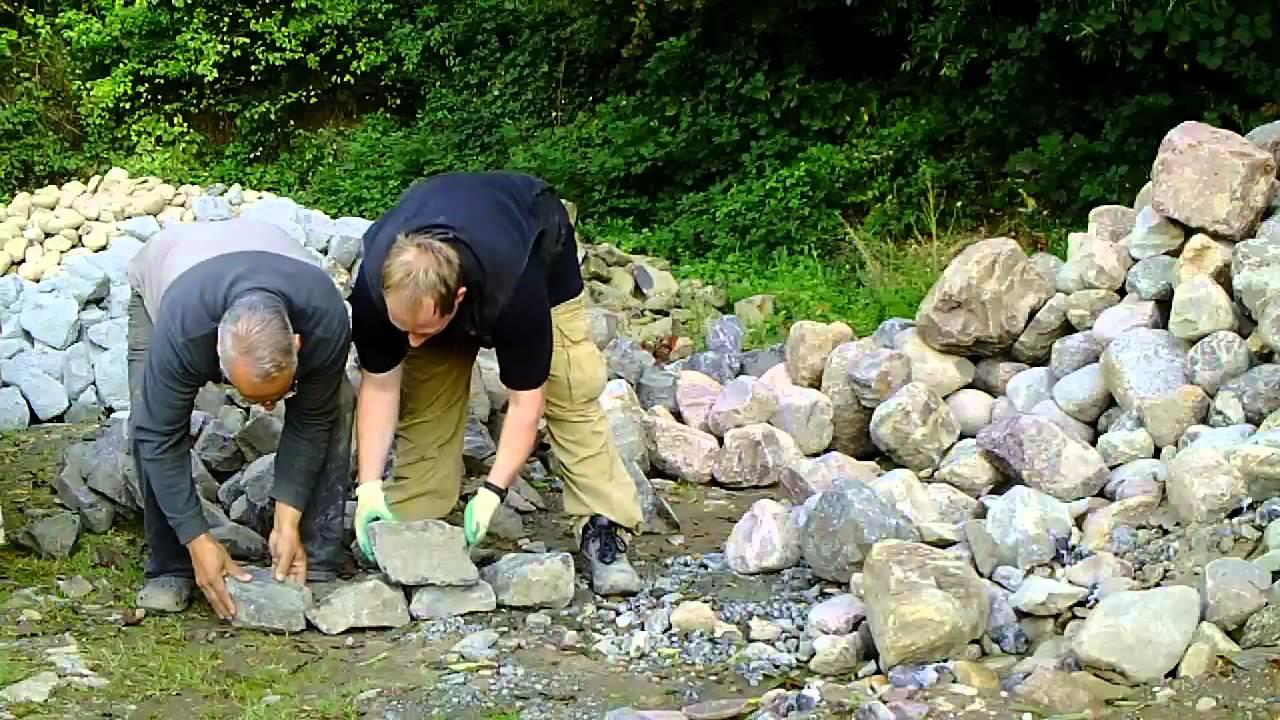 basaltbruchsteine fuer trockenmauer steingarten youtube