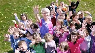 Поздравление с Днем учителя!  Сегодня у нас  урок листопада.