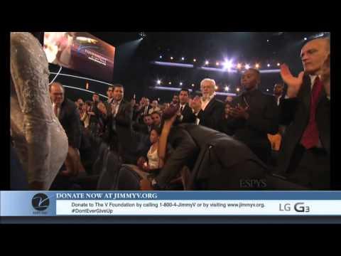 Stuart Scott Receives Jimmy V 2014 Perseverance Award