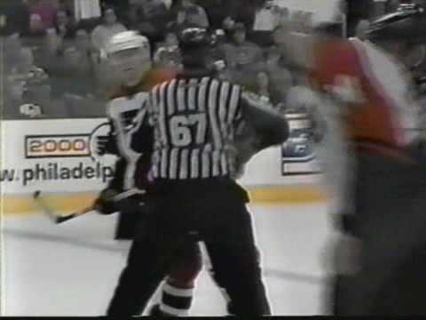 Chris McAllister vs Randy McKay 12/16/00
