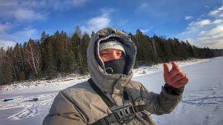 ВСЯ РЫБА С ОДНОЙ ЛУНКИ Зимняя рыбалка 2020 на окуня первый лёд