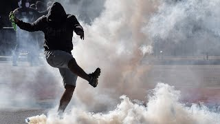 video: Watch: Tear gas fired by police in São Paulo as pro and anti-Bolsonaro protests break out
