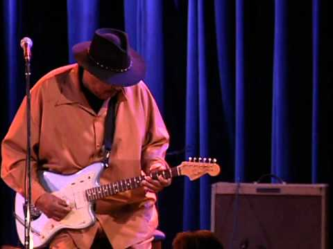 "Magic Slim - ""I'm A Bluesman"""