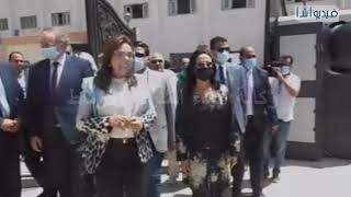 محافظ دمياط  و رئيسة المجلس القومى للمرأة وعدد من أعضاء الامم المتحدة للمراة يفتتحون مشروع مدن امنة