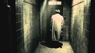 """10月5日(土)よりの全国公開となる松本人志監督最新作『R100』。 絶対に開けてはいけない扉を開いて""""謎のクラブ""""へ入会してしまった主人公を大森南朋さんが演じ、彼の ..."""